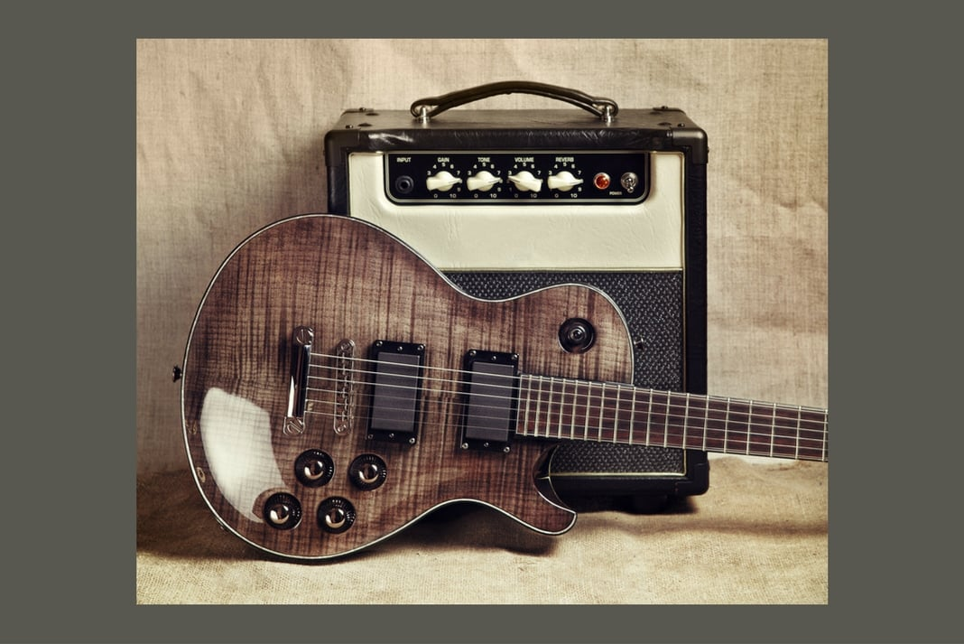 «Amplis» un livre indispensable pour les passionnés de guitare