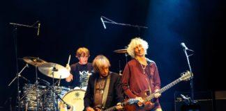 Louis Bertignac, Jean-Louis Aubert, Richard Kolinka en concert